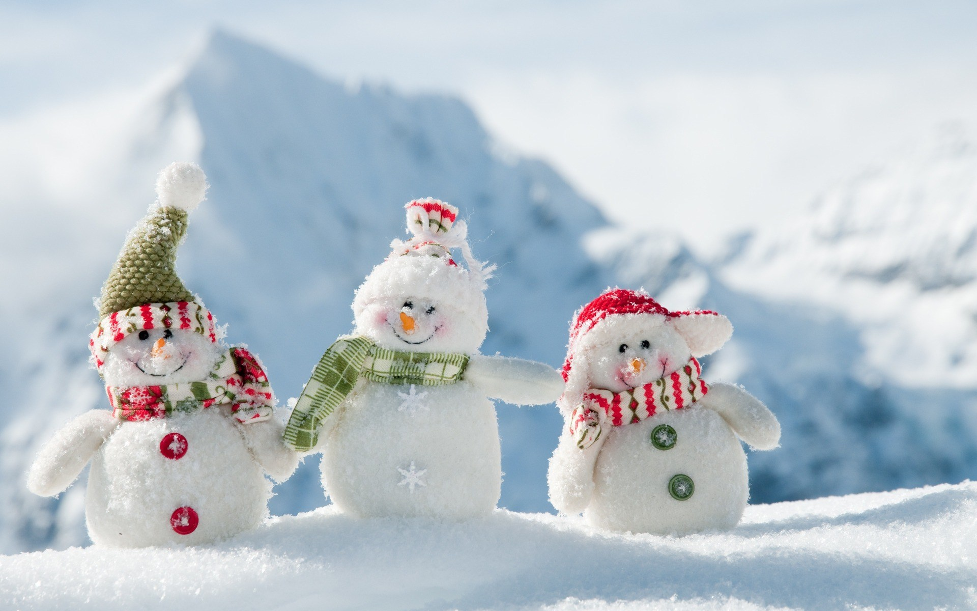 White-snowmans-winter-new-year-1920x1200-1
